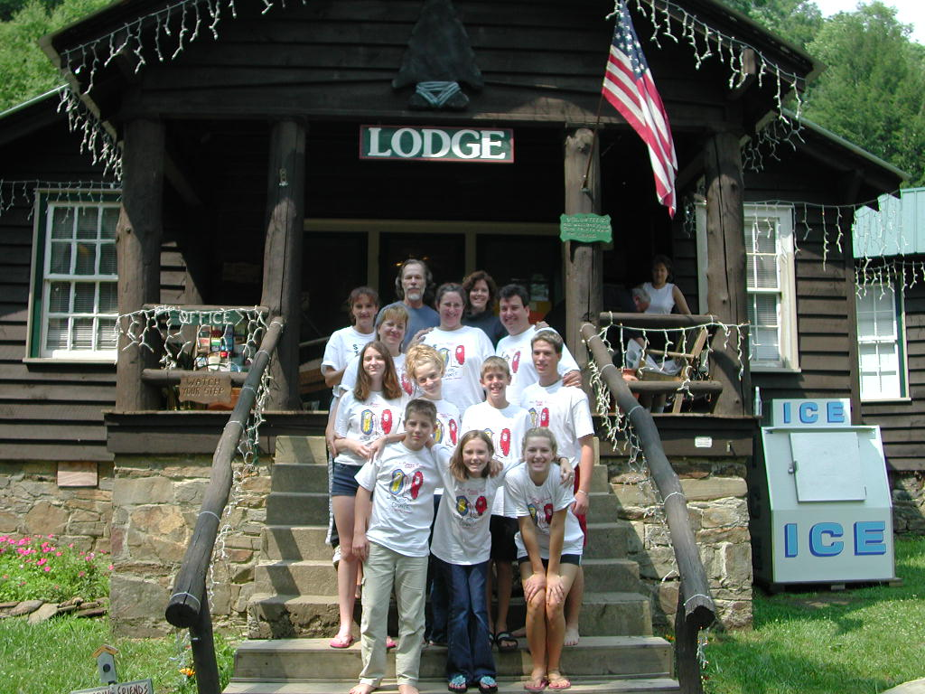 group-pic-in-front-of-lodge-2