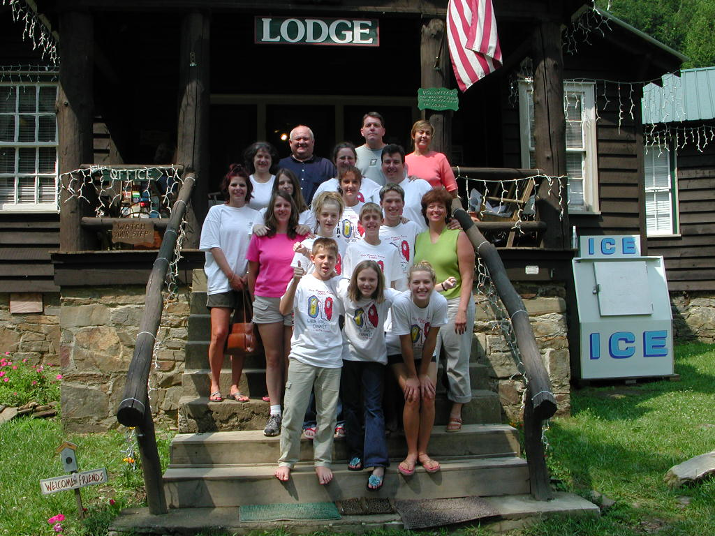 group-pic-in-front-of-lodge